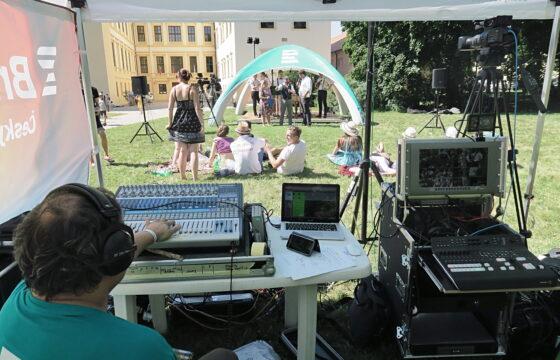 On-line živý přenos z Folklórního festivalu ve Střážnici. | AVIDIS