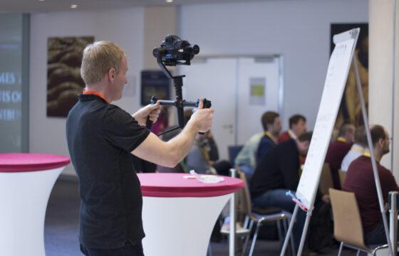 Natáčení s využitím kamerového stabilizátoru. | AVIDIS